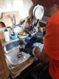 машинно отпишване на сифон на мивка в софия