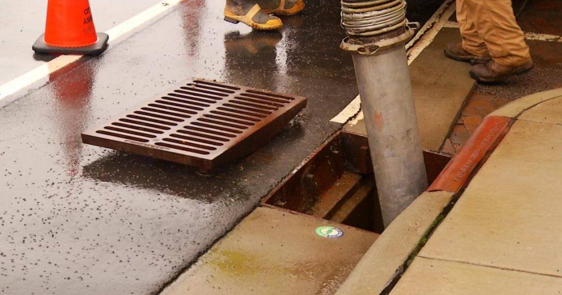 Колкото по-скоро разпознавате предупредителните знаци за запушване на основната канализационна мрежа, толкова по-добре. Запушването на основната канализационна тръба, което се пренебрегва или е незабелязано, може да доведе до скъпи ремонти, но също така може да причини неудобство за вашето семейство. За да си помогнете и да предотвратите нежеланата повреда и за опазване на семейството и […]